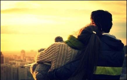 hug-sad-couple-love-sunset
